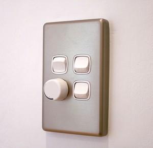 трёхклавишный выключатель