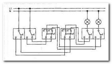 схема подключения трёх проходных двухклавишных выключателя